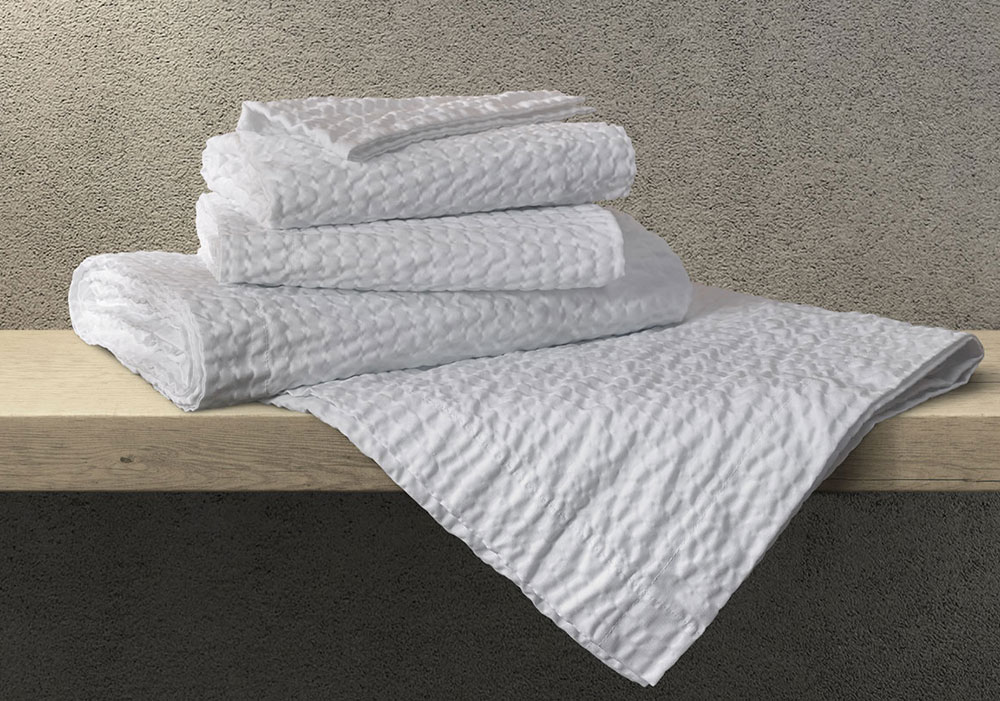 Fairfield: Coverlet and Shams Set