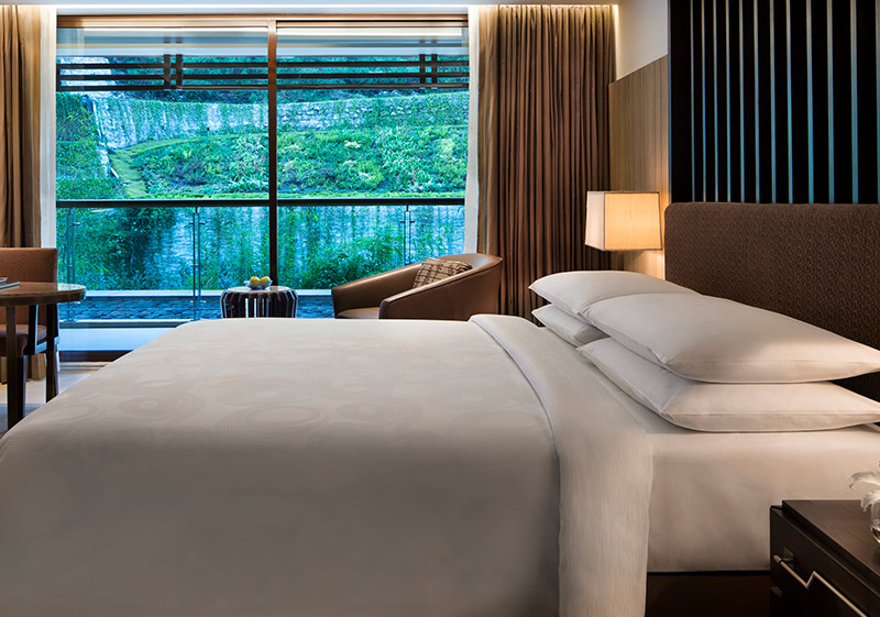 The JW Marriott Bed